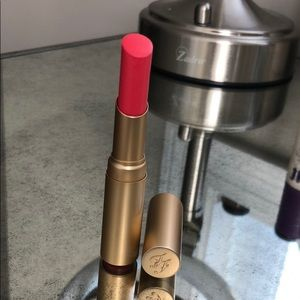 Too Faced La Creme Lipstick Shade: Bon Bon